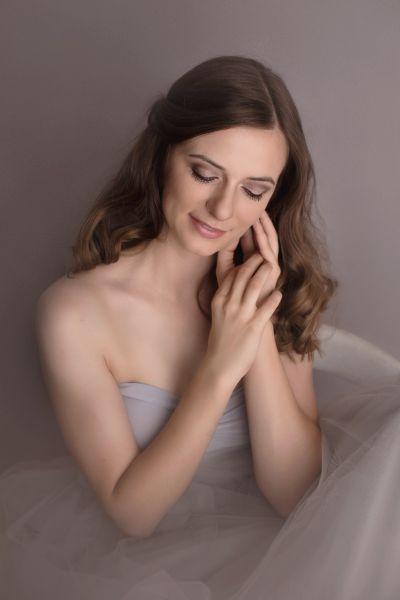 langer romantischer Tüllrock mit Schleppe in grau