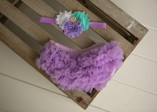 Set: Windelhöschen und Haarband in lila