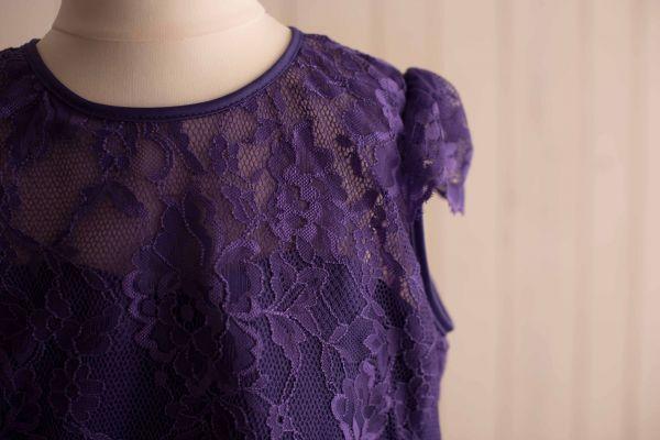 langes Kleid mit Spitzenoberteil in lila *auch große Größen*