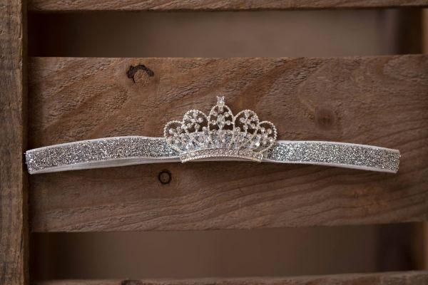 Wunderschönes Haarband mit Krönchen in silber